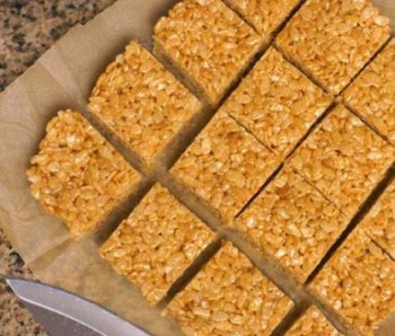 Crispy Peanut Butter Squares – 3 Smartpoints