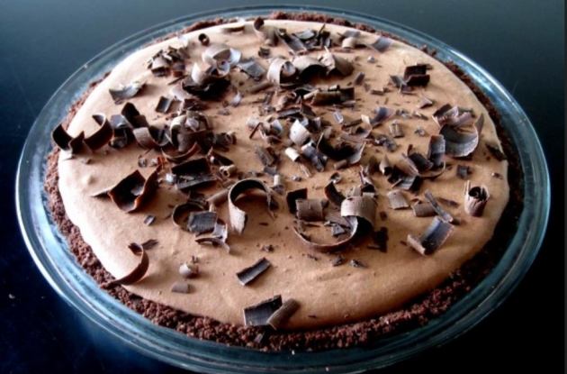 Bobby's Lighter Frozen Chocolate Mousse Pie
