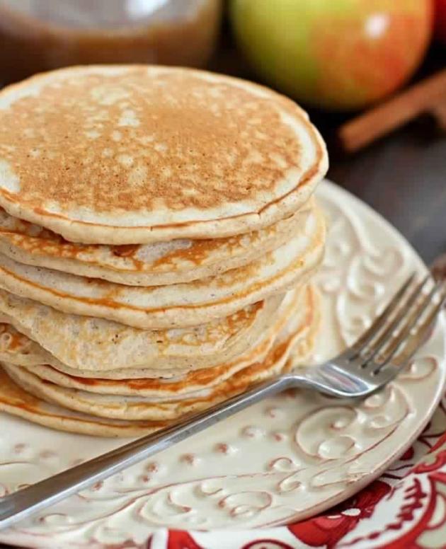 Cinnamon Applesauce Pancakes – 3 Smartpoints