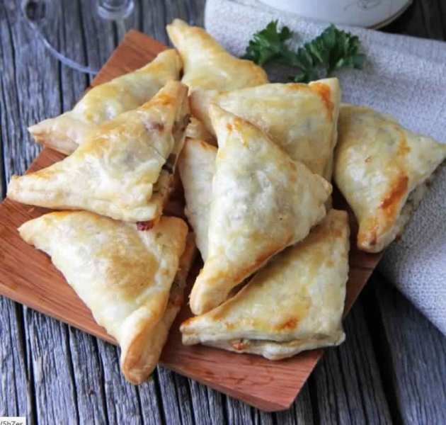 Mixed Mushroom, Gruyere and Rosemary Wontons – 1 Smartpoint