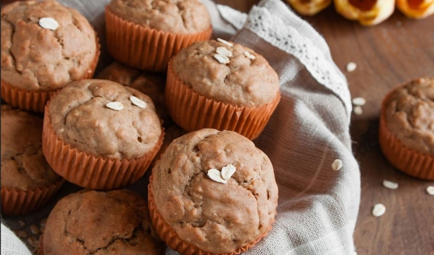Skinny Points – Recipes » Applesauce Oatmeal Muffins