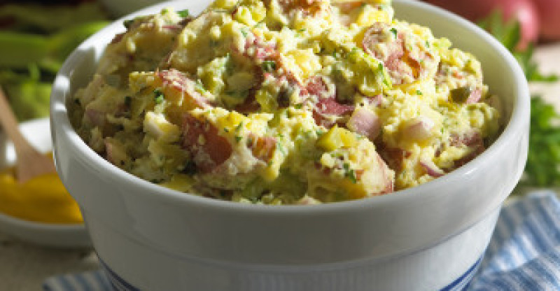 Healthified-Classic-Potato-Salad-800x416