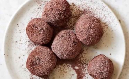 No-Bake Peanut Butter Cookie Dough Balls