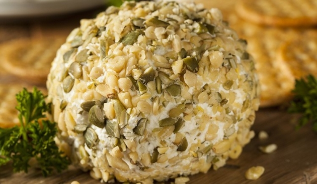 Homemade Cheeseball with Nuts and Crackers