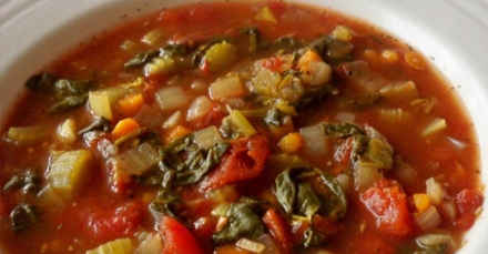 Slow Cooker Tomato Spinach Soup