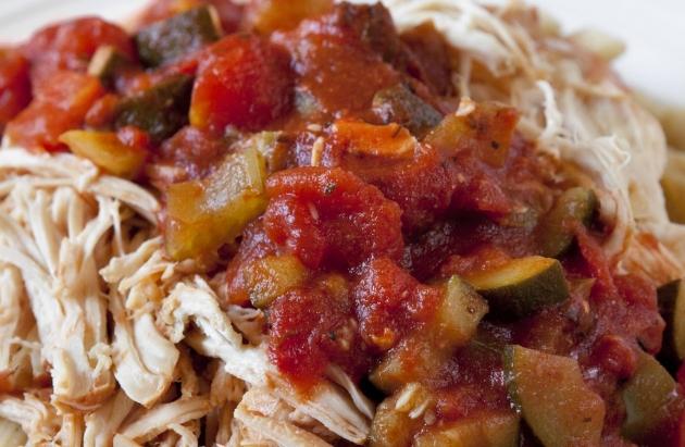 3 SmartPoints – Slow cooker Marinara Chicken