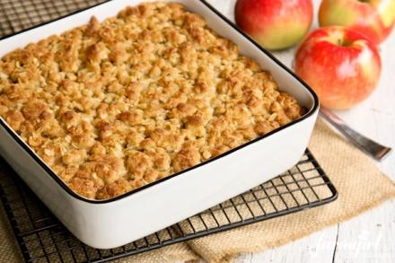 6 SmartPoints Slow-Cooker Apple Maple Oatmeal