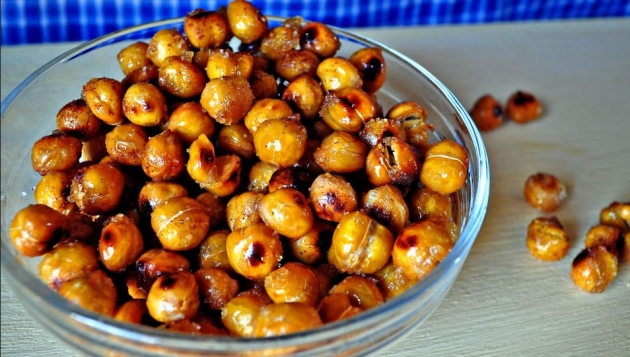 Sweet and Salty Roasted Chickpeas Recipe