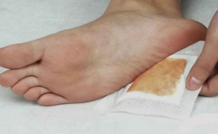 Make Detox Foot Pads at Home and Remove All the Dangerous Toxins from Your Body
