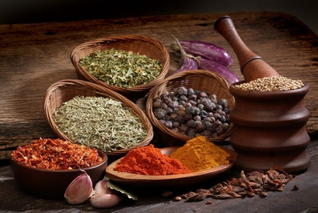 10 Herbs and Spices for Cancer Prevention [BE CAREFUL]