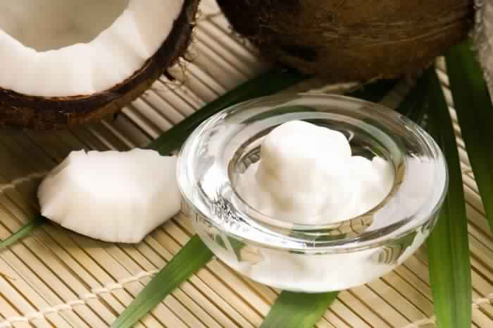bigstock-coconut-and-coconut-oil-10160636-700x465