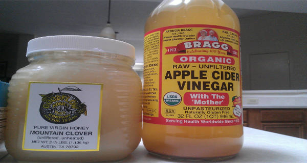 drink-honey-and-acv-on-empty-stomach
