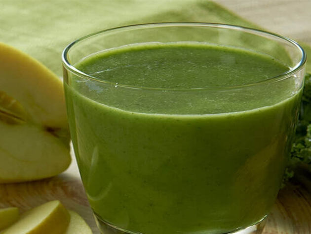 Try this quick, healthy & delicious SlimFast recipe: Kale-Apple Smoothie.