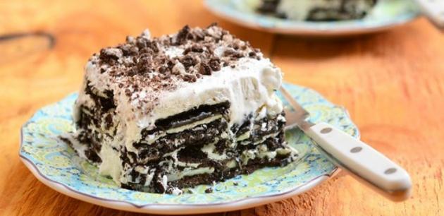 Easy 3-Ingredient Oreo Ice Cream Cake