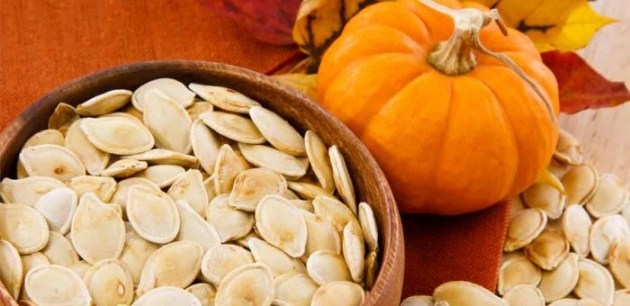 See What Happens When You Eat Pumpkin Seeds Before Bed