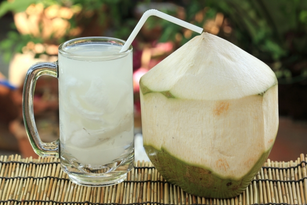 Do You Know What Happens If You Drink Coconut Water For 7 Days on Empty Stomach