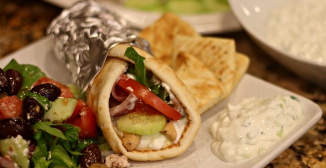 Slow-Cooker-Chicken-Gyros